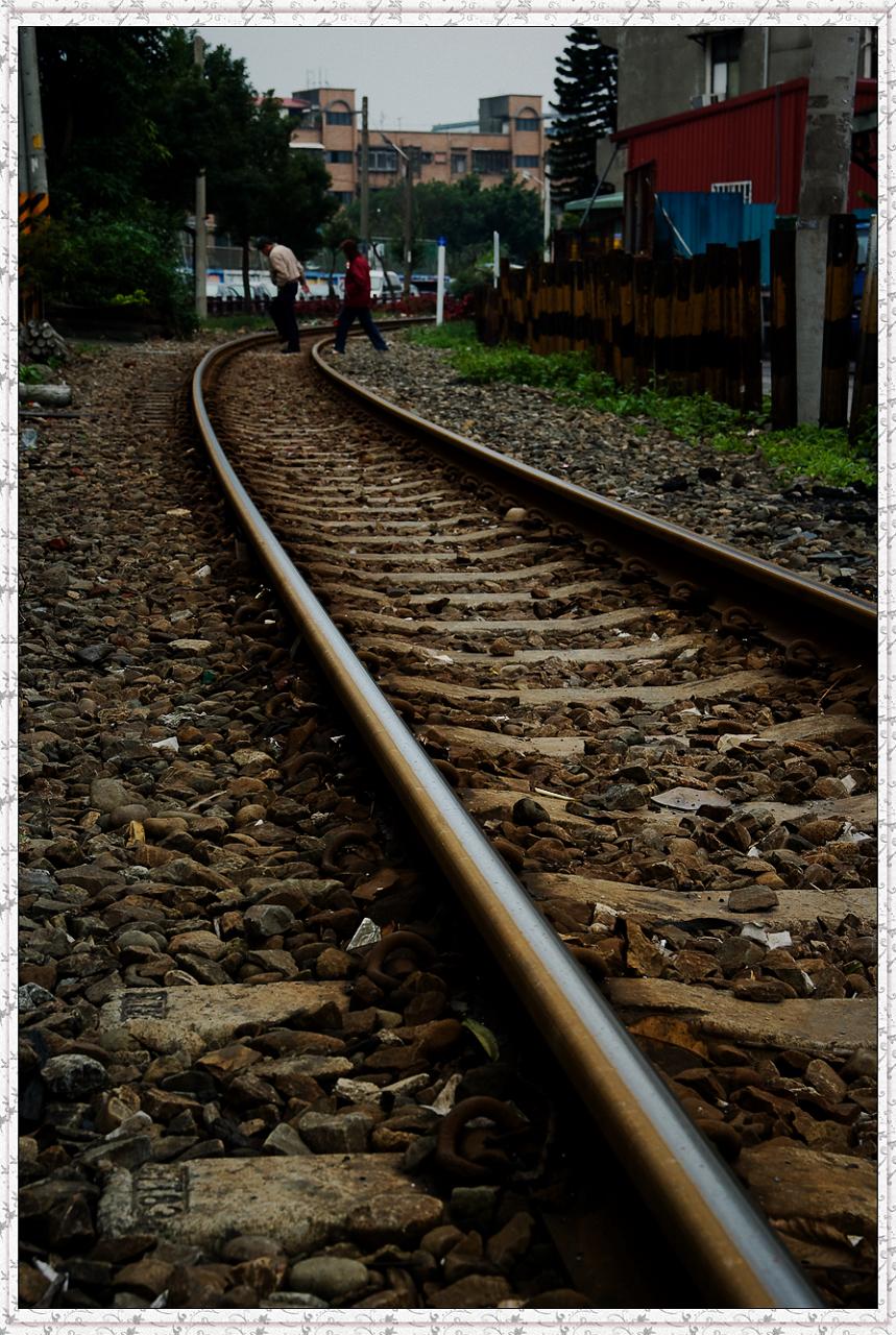 龜山路橋旁的桃林鐵路
