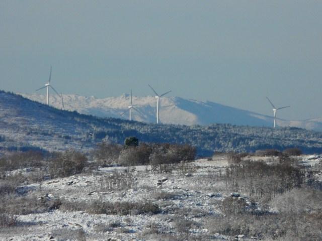 Quelques photos d'éoliennes au Portugal 10120304.JPG?psid=1
