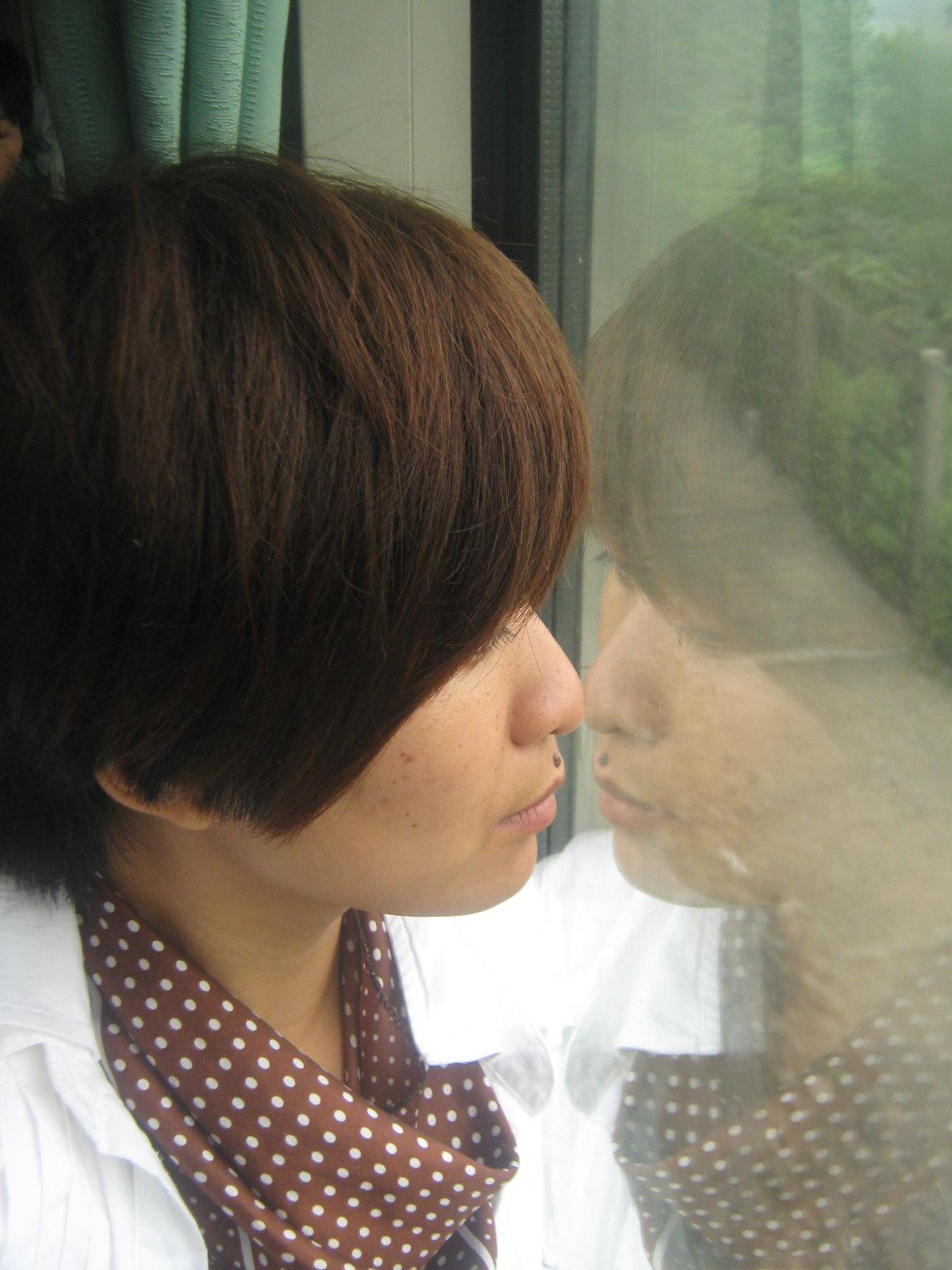这张是我在火车上看风景