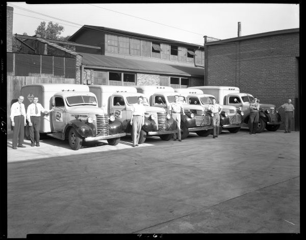 Blue Valley Creamery in Louisville Kentucky around 1946